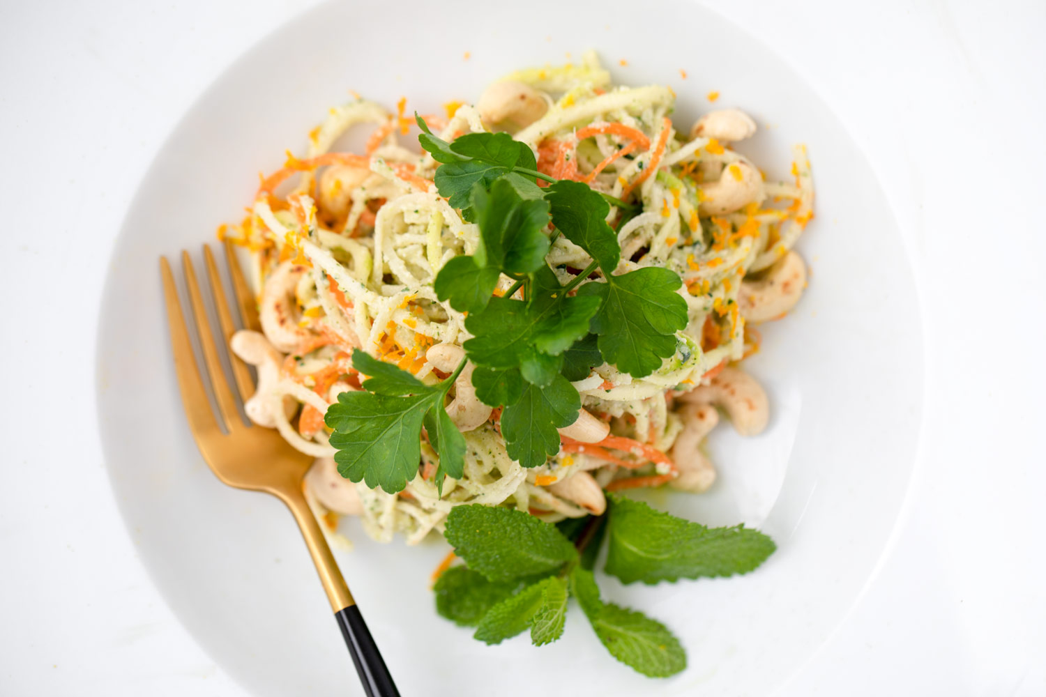 Raw Noodles with carrot, zucchini and pear by Bakd&Raw - Karolin Baitinger