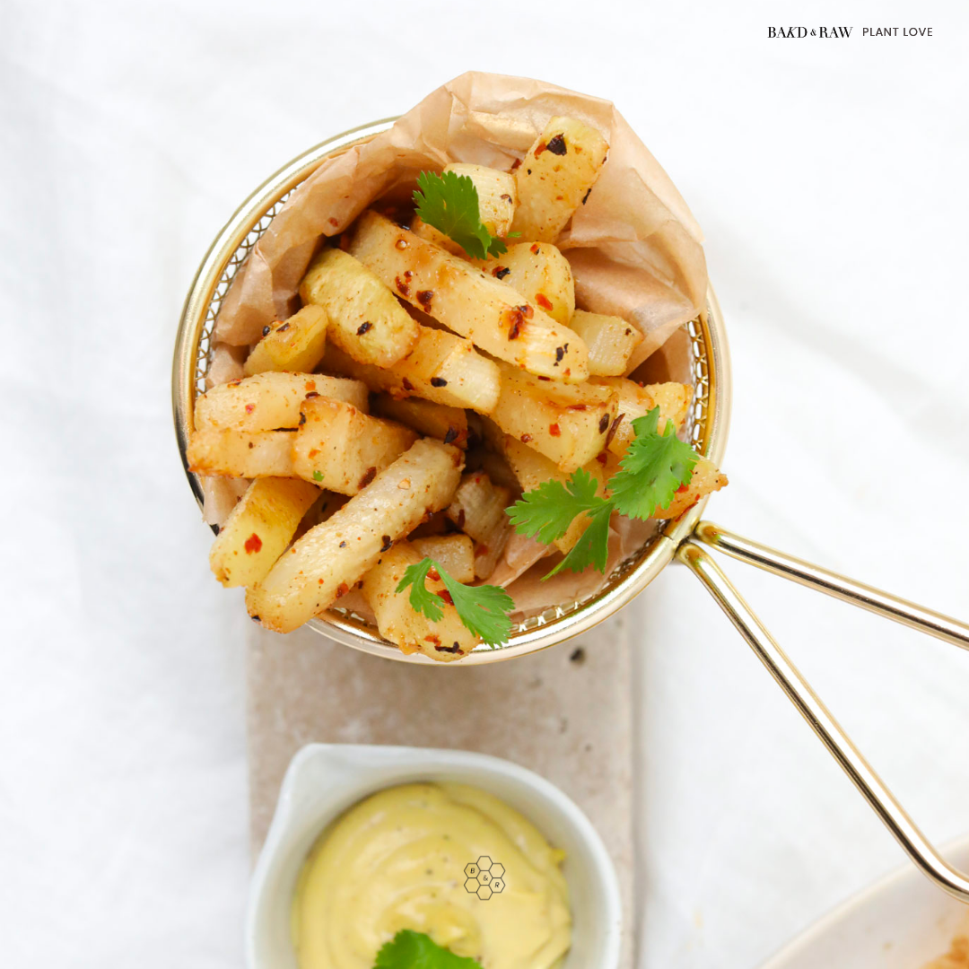 fries made with kohlrabi and plant-based mayonnaise by Bakd&Raw