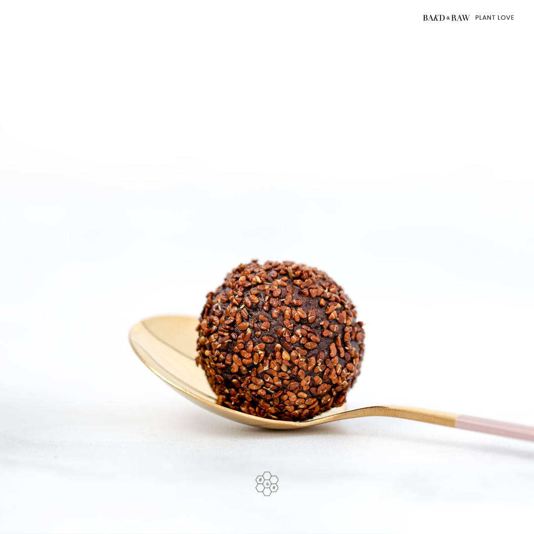 Healthy snacking; the perfect energy balls by Bakd&Raw