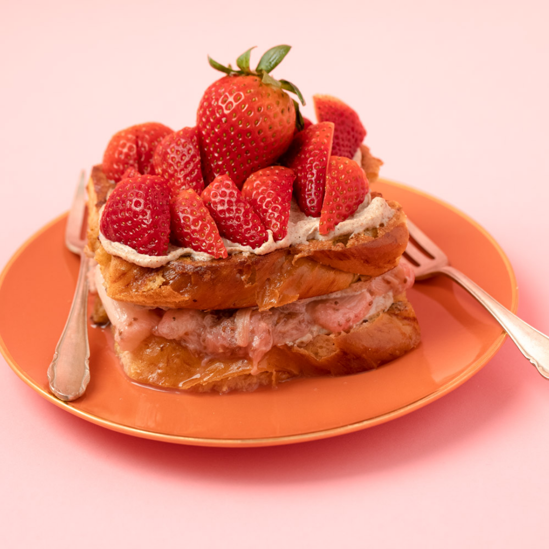 Overhead shot Brioche French Toast with Miso Butter by Bakd&Raw, Karolin Baitinger